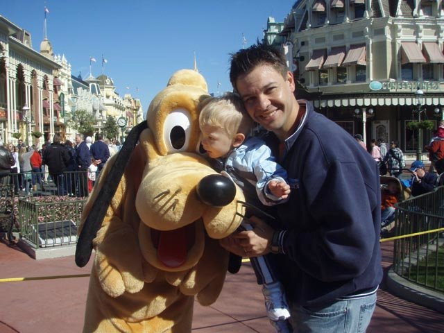 Aniversário na Disney: Magic Kingdom com Pluto