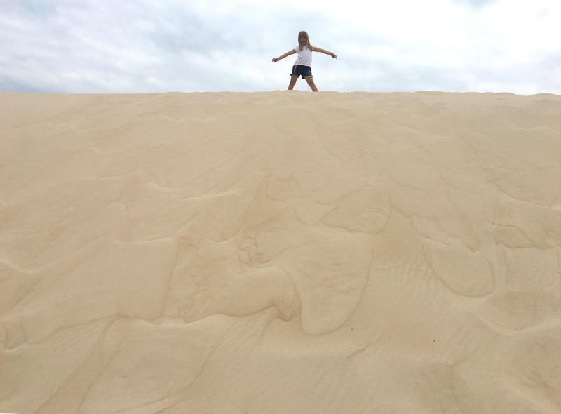 Day Use no Costão do Santinho: Alice nas dunas