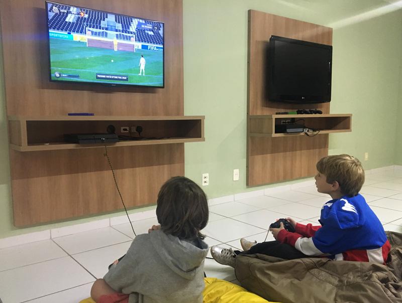 Day Use no Costão do Santinho: sala de games