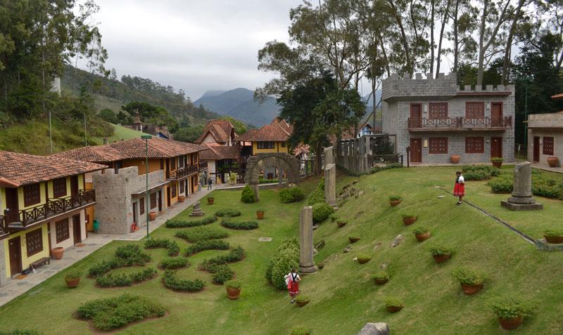 Teresópolis com crianças: quartos medievais na ala Village