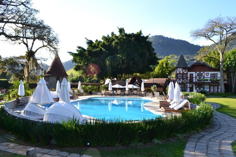 Teresópolis com crianças: piscina do gramado