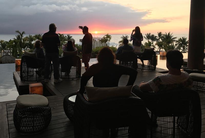 Onde ficar em Puerto Vallarta: Desck no lobby do Now Amber